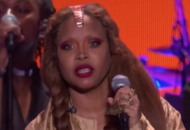 Erykah Badu Shows Why She's One Of The Best Performers Alive & A True Legend